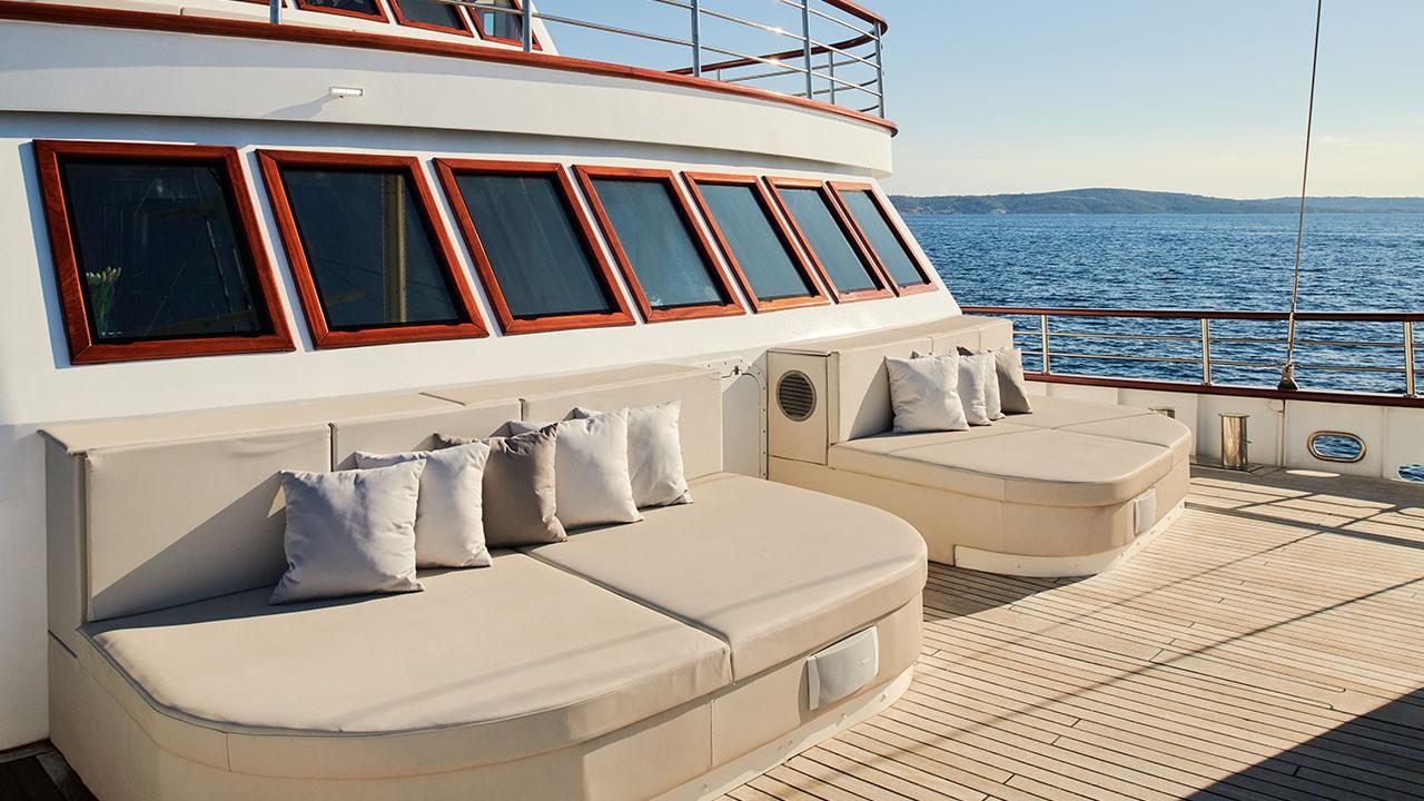 Sailing Yacht Corsario