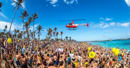 Crazy Beach Party Mykonos