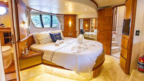 Motor Yacht Azimut 62 Fly VIP