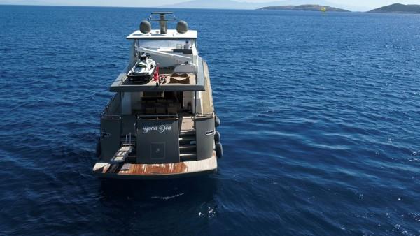 Motor Yacht Bona Dea