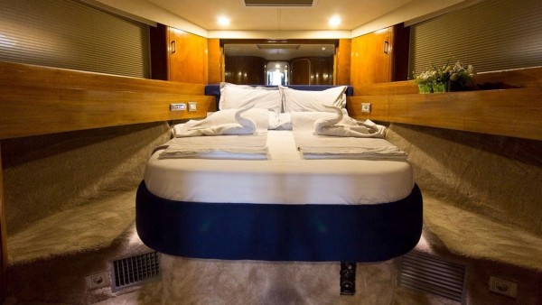Motor Yacht Deep Blue
