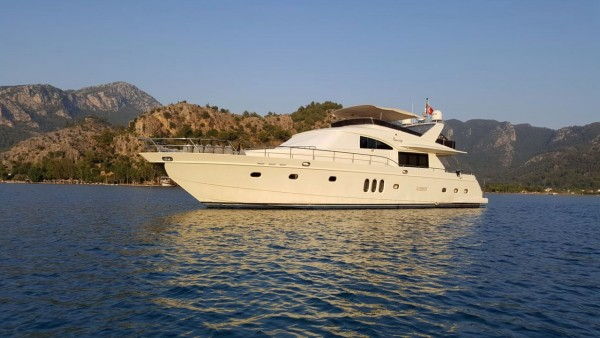 Flamingo Motor Yacht