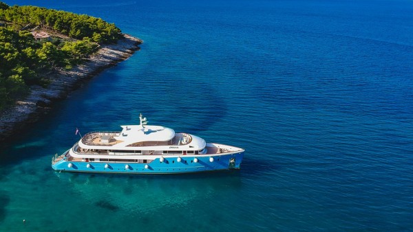 Ohana Motor Yacht