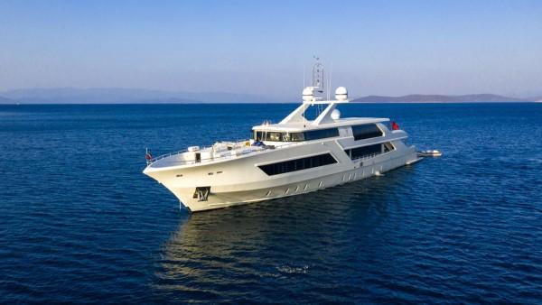 Vetro Motor Yacht