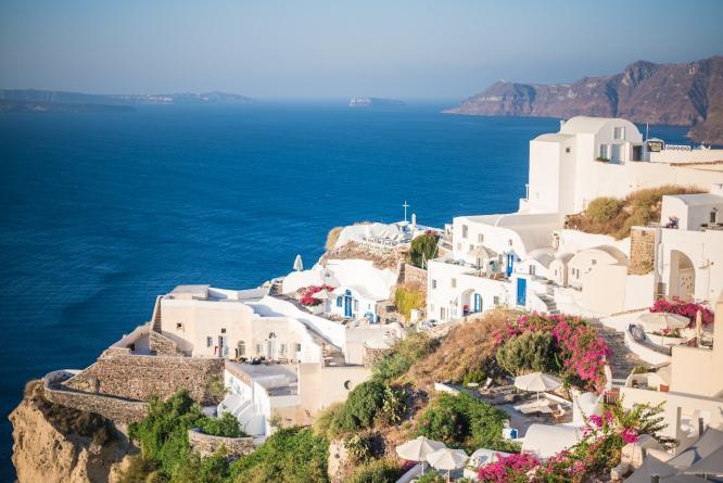 Santorini Cruise Guide